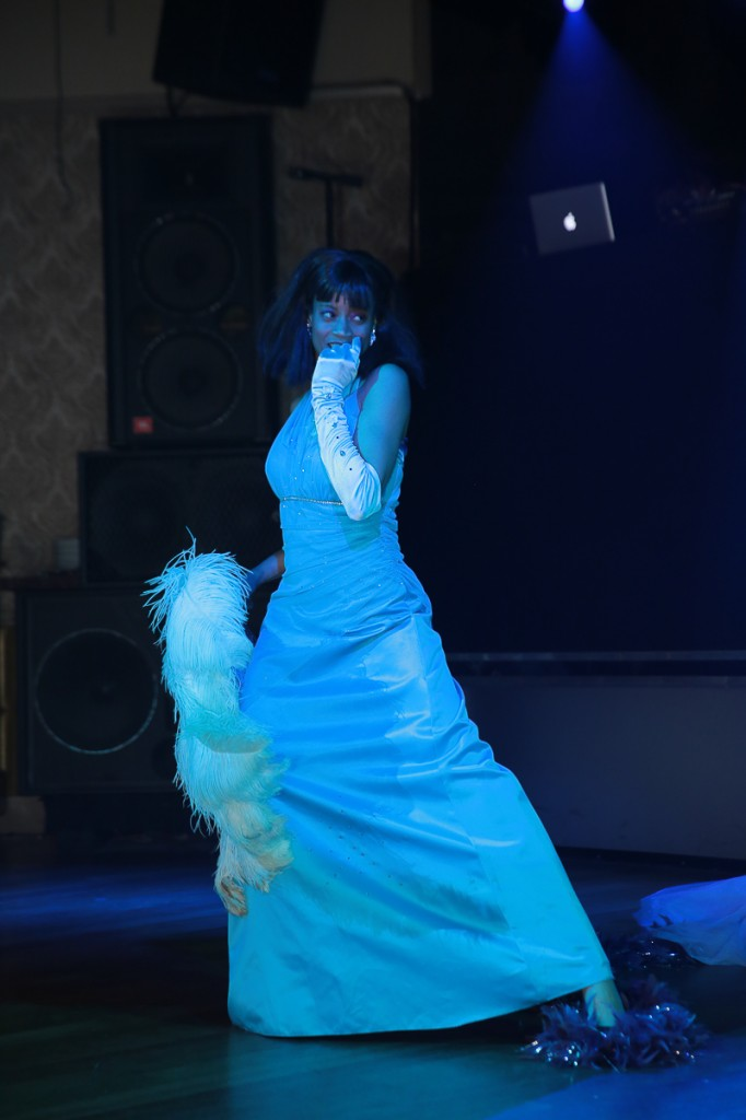 The Luvely Rae performing a classic burlesque routine.